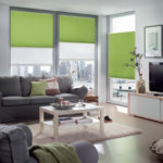 zielone plisy w salonie